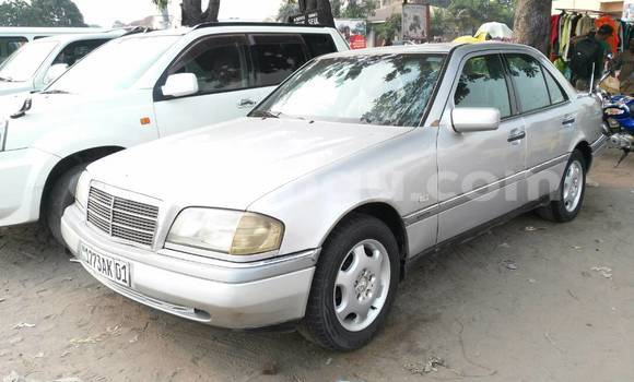 Acheter Voiture Mercedes Benz C-Class Gris à Limete en Kinshasa