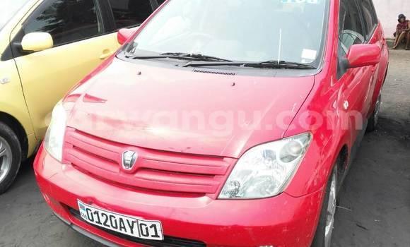 Acheter Voiture Toyota IST Rouge à Ndjili en Kinshasa