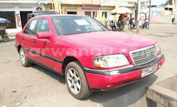 Acheter Voiture Mercedes Benz C-Class Rouge à Lemba en Kinshasa