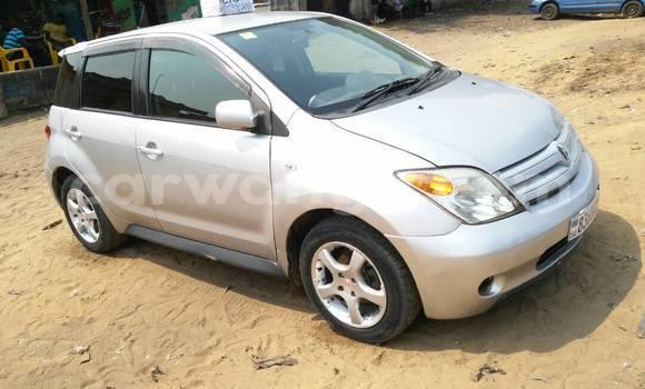 Acheter Voiture Toyota IST Gris à Lemba en Kinshasa