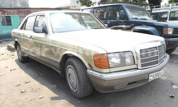 Acheter Voiture Mercedes Benz C-Class Vert à Lemba en Kinshasa