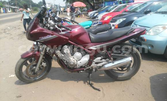 Acheter Moto Yamaha FZR Rouge à Kalamu en Kinshasa