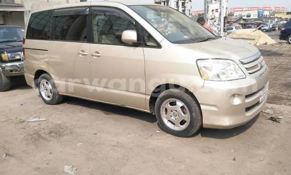Acheter Voiture Toyota Noah Autre à Kinshasa en Kinshasa