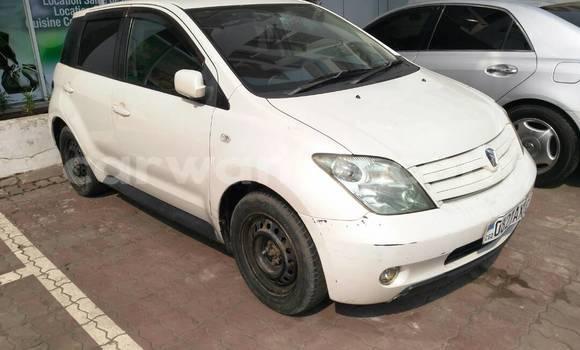 Acheter Voiture Toyota IST Blanc à Kinshasa en Kinshasa