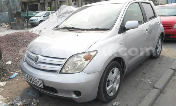 Acheter Voiture Toyota IST Gris à Kinshasa en Kinshasa