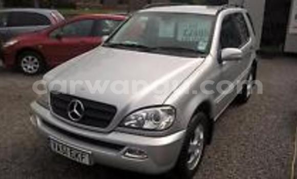 Acheter Voiture Mercedes Benz M-Class Noir à Bandalungwa en Kinshasa