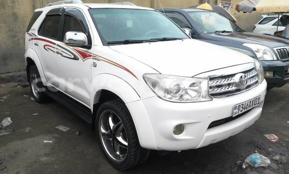 Acheter Voiture Toyota Fortuner Blanc à Bandalungwa en Kinshasa