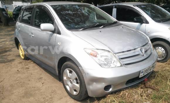 Acheter Voiture Toyota IST Gris à Limete en Kinshasa