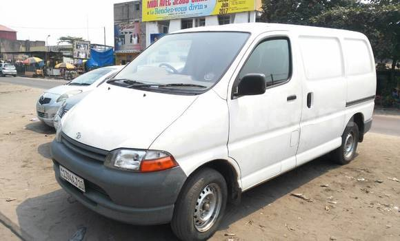 Acheter Voiture Toyota Hiace Blanc à Bandalungwa en Kinshasa
