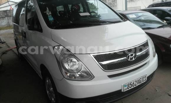 Acheter Utilitaire Hyundai H100 Blanc à Gombe en Kinshasa