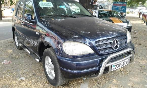 Acheter Voiture Mercedes Benz ML-Class Bleu à Bandalungwa en Kinshasa