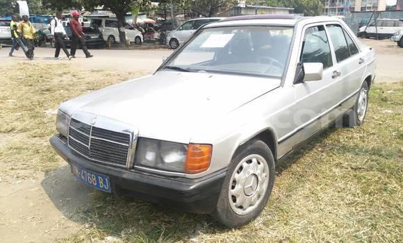 Acheter Voiture Mercedes Benz 190 Gris à Bandalungwa en Kinshasa