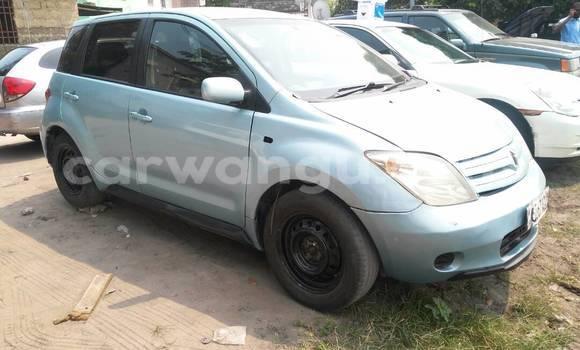 Acheter Voiture Toyota IST Bleu à Bandalungwa en Kinshasa