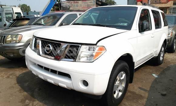 Acheter Voiture Nissan Pathfinder Blanc à Bandalungwa en Kinshasa