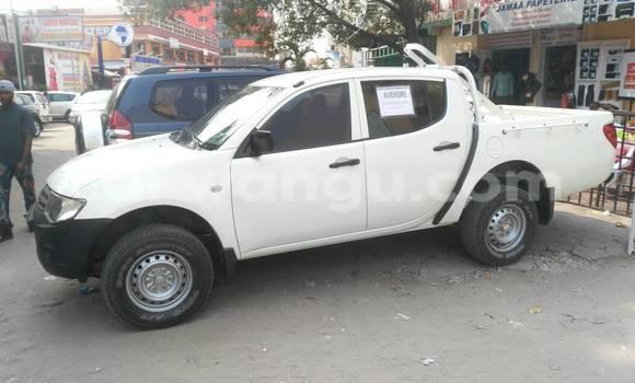 Acheter Voiture Mitsubishi L200 Blanc à Gombe en Kinshasa
