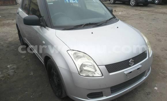 Acheter Voiture Suzuki Swift Gris à Gombe en Kinshasa