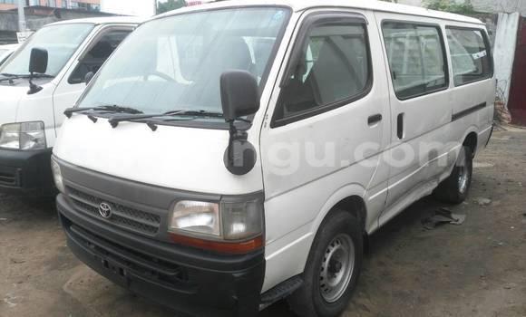 Acheter Voiture Toyota Hiace Blanc à Gombe en Kinshasa