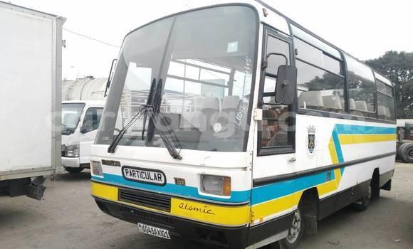 Acheter Voiture Mazda BT-50 Blanc à Kalamu en Kinshasa