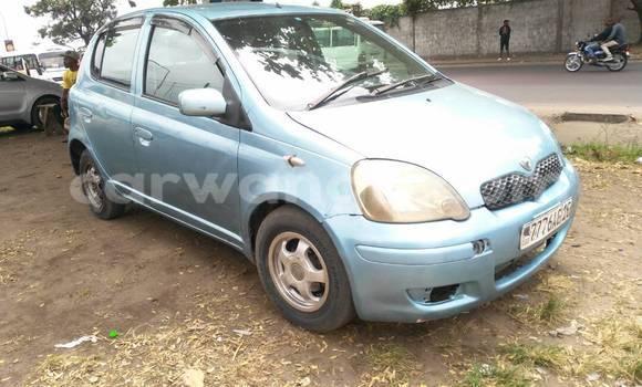 Acheter Voiture Toyota Vitz Bleu à Bandalungwa en Kinshasa