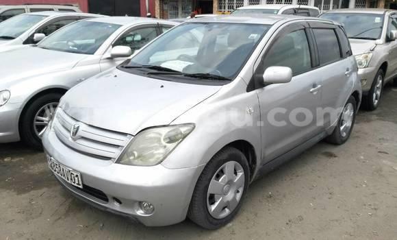 Acheter Voiture Toyota IST Gris à Bandalungwa en Kinshasa