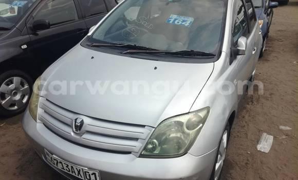Acheter Voiture Toyota IST Gris à Kalamu en Kinshasa