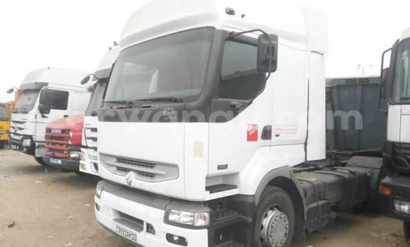 Acheter Utilitaire Renault 220 Blanc à Kalamu en Kinshasa