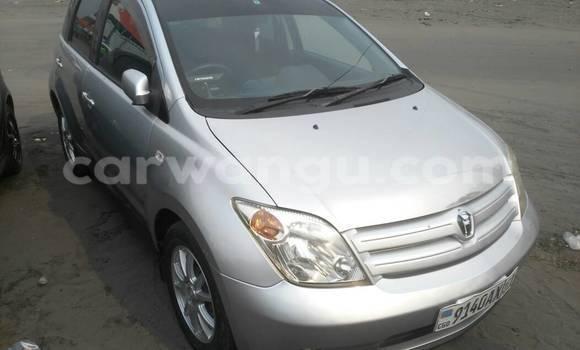 Acheter Voiture Toyota IST Gris à Kasa Vubu en Kinshasa