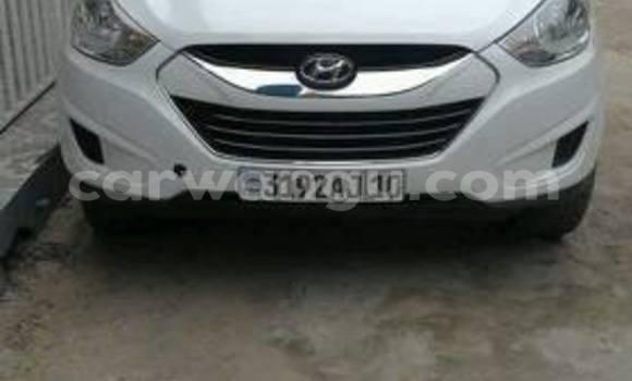 Buy Hyundai ix35 White Car in Bandalungwa in Kinshasa