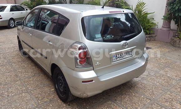 Acheter Voiture Toyota Verso Gris à Bandalungwa en Kinshasa