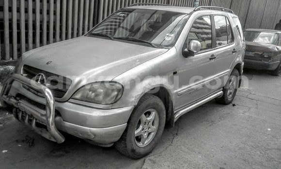 Buy Mercedes Benz ML-Class Silver Car in Bandalungwa in Kinshasa