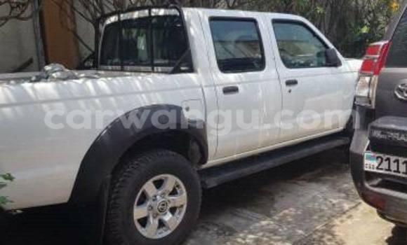 Acheter Voiture Nissan Navara Blanc à Bandalungwa en Kinshasa