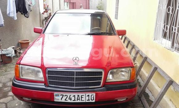 Buy Mercedes Benz C-Class Red Car in Bandalungwa in Kinshasa
