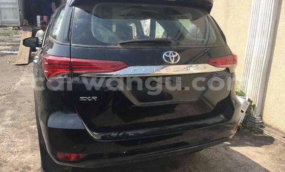 Buy Toyota Fortuner Black Car in Bandalungwa in Kinshasa